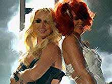 Бритни СПИРС и РИАННА во время церемонии Billboard Music Awards  (видео)