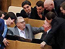 Про российских депутатов могут снять сериал «Карточный домик»
