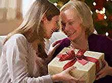 Новый год 2018 : что подарить маме