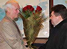 Мэр Тимашевска поздравил  директора  кондитерского комбината «Кубань».