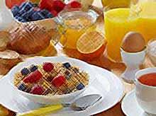 Калорийный завтрак уменьшает вес и контролирует сахар крови