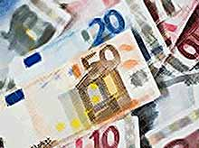 СМИ: Банки ограничивают продажу валюты