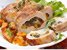 Мясной рулет с овощами на 8 Марта