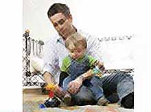 Почему  отцам надо больше играть со своими детьми?