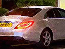 Студентка покрыла свой Mercedes миллионом стразов Swarovski.