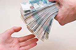 Какую сумму составляют взятки в России?