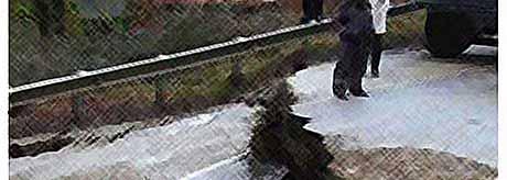 Трасса Джубга- Сочи из-за оползня провалилась на 5 метров