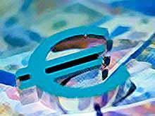 Курс евро снизился почти на 80 копеек