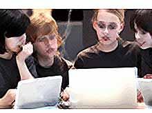 Более 50% школьников проводят в сети 24 часа в сутки