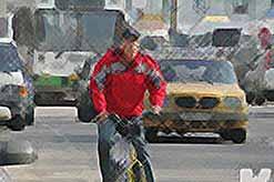 Привычка передвигаться по городу на велосипеде может довести до…