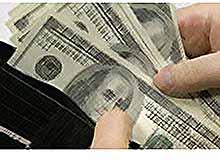 Большинство россиян против запрета долларов