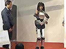 Роботы уже научились петь и танцевать .