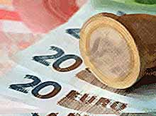 Евро упал ниже 62 рублей