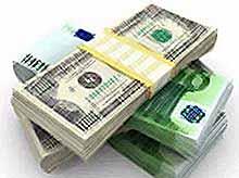 Доллар впервые за неделю опустился ниже 36 рублей,евро - меньше 50