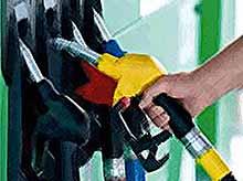 Бензин  в России подорожает до 50 рублей