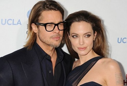 СМИ: Джоли и Питт сыграли свадьбу в Рождество