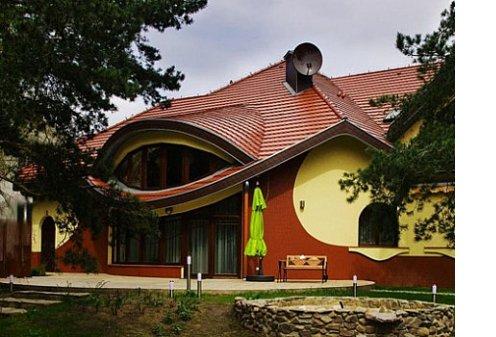 В Польше построили дом без прямых углов