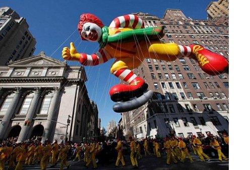 Парад огромных надувных игрушек