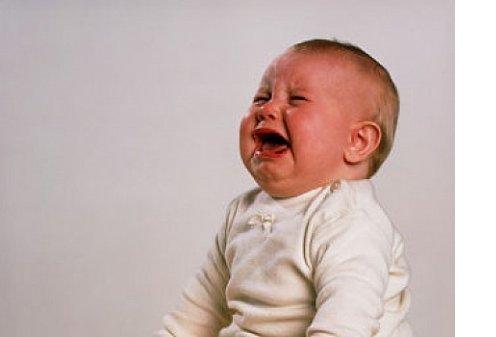 Почему мы не можем заснуть, если ребенок плачет