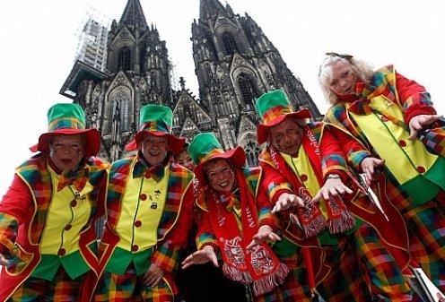 В Европе наступило время карнавалов